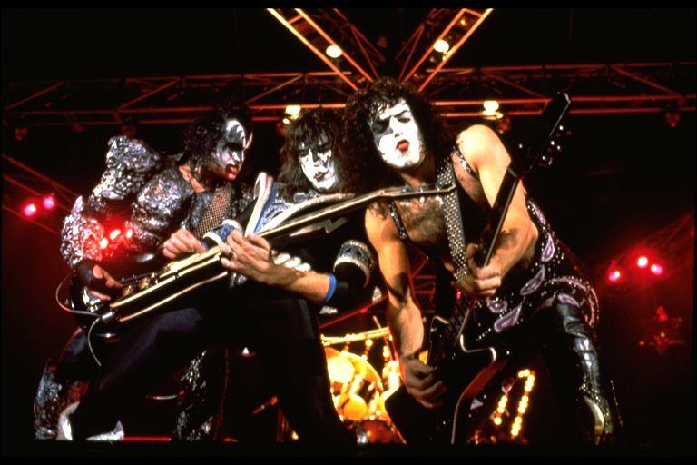 Kiss Dynasty Tour